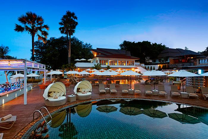10-ти метровая полоска песка отделяет пляжный клуб Pullman Pattaya Hotel G от Сиамского залива