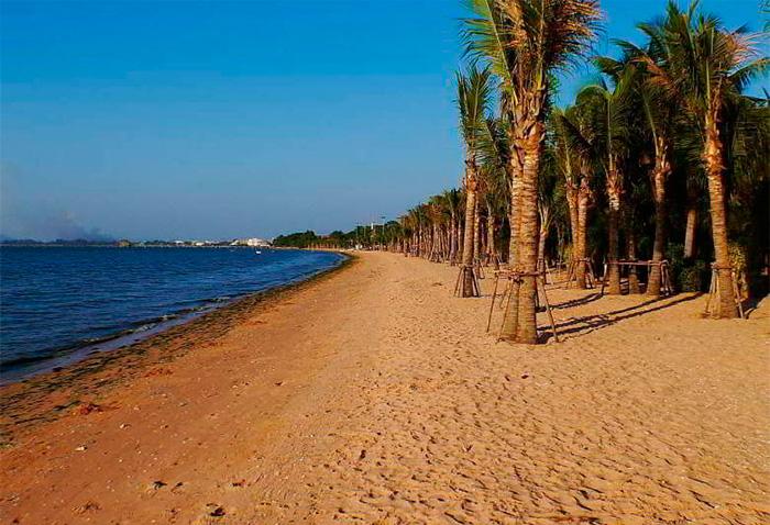 Пляж Кратин Лай на севере Паттайи