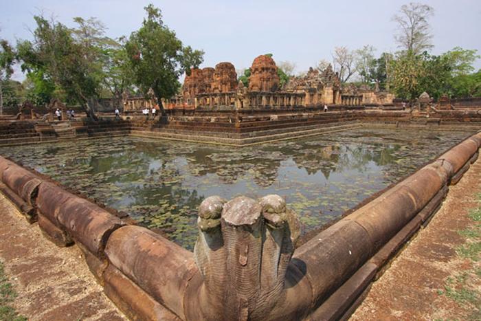 Храм Хао Ун Кхарн хранит древние руины и Дваравати
