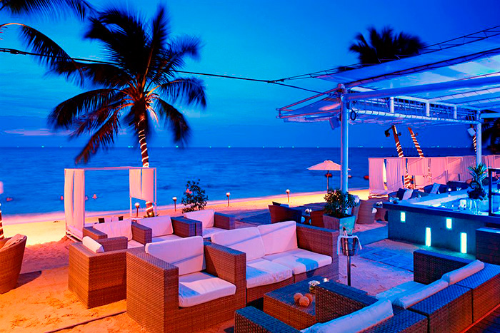 The Beach Club, Pullman Pattaya Hotel G