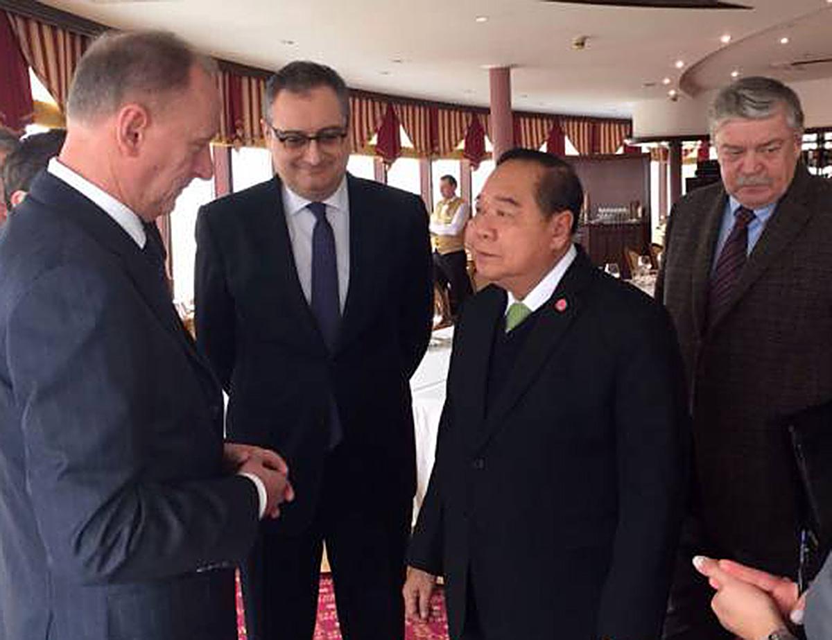 Вице-премьер Тайланда генерал Правит Вонгсувон во время визита в Москву. 2016