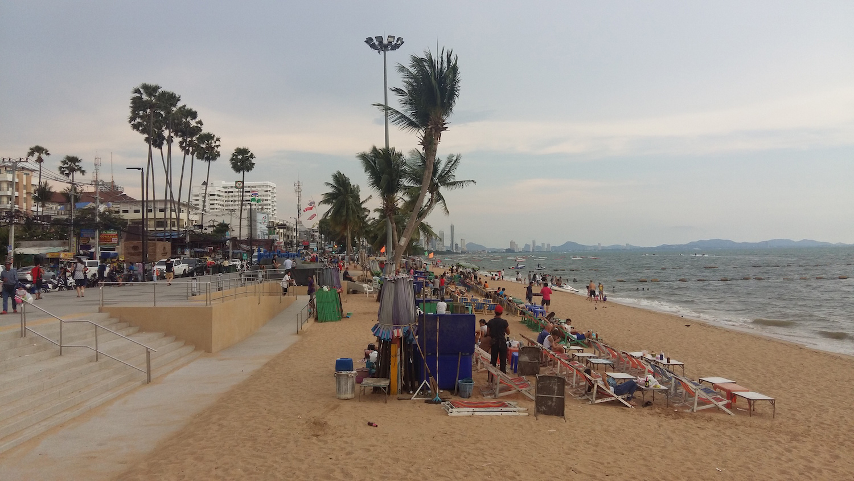 Паттайя. Променад и пляж Джомтьен
