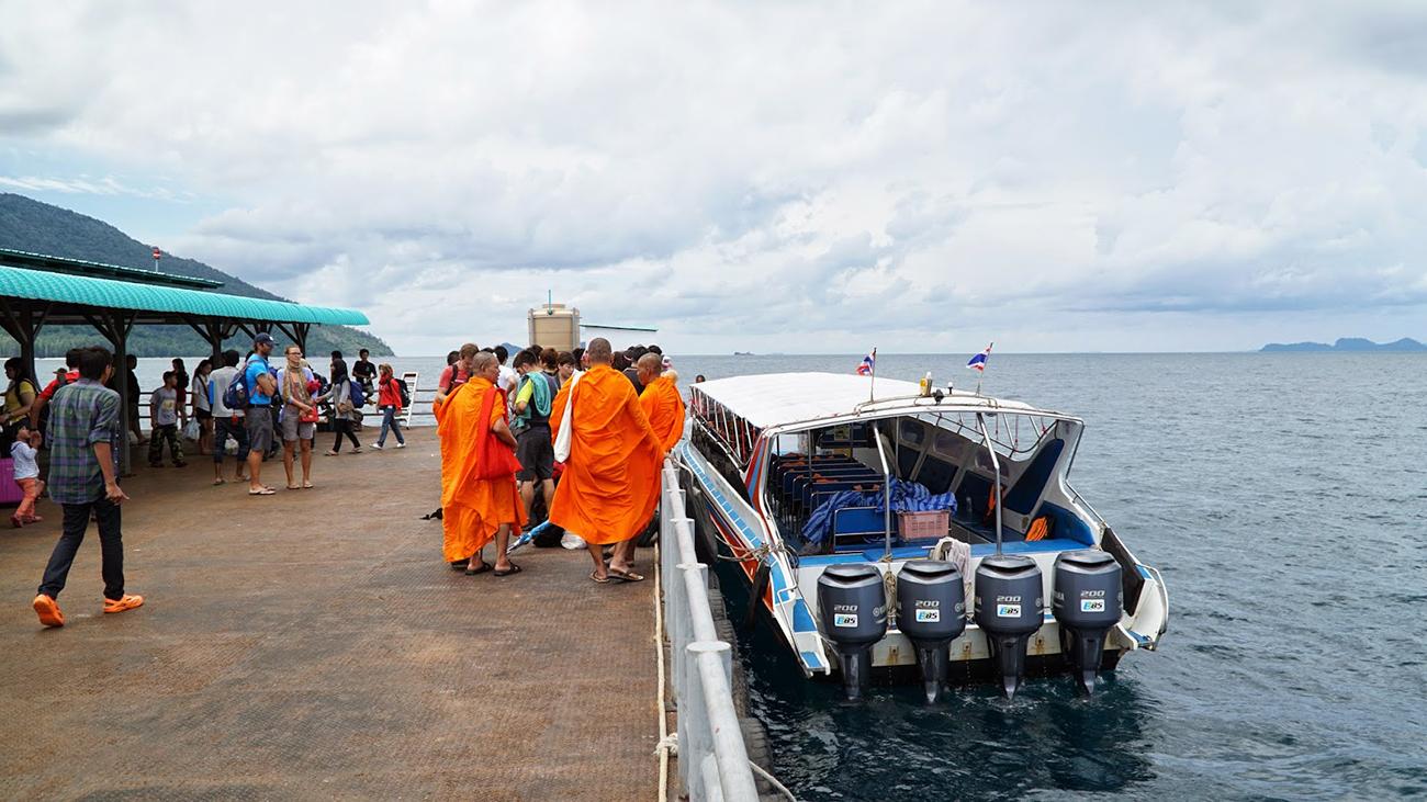 Причал в порту Пак Бара в Хат Яй