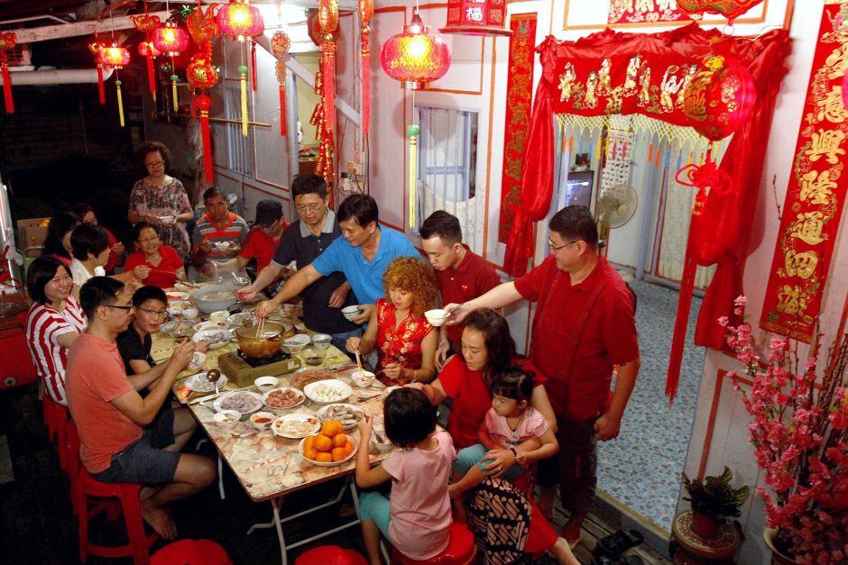 Китайский Новый год - праздник, когда вся семья в сборе. Фото The Nation