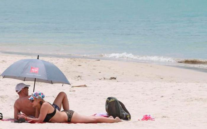 Пляж Пхукета. Свыше 12% мировых туристов проводят свой отпуск в Таиланде, по данным исследования Flip Flop для Expedia