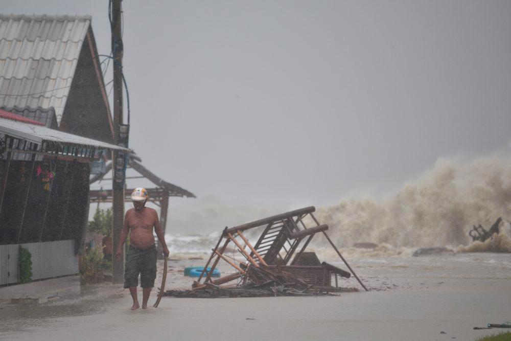"""Тропический шторм """"Пабук"""", ударивший по южному Таиланду в начале января 2018"""