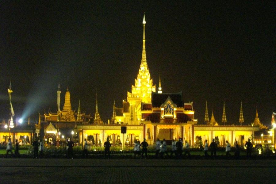 ГАИ Тайланда: 8 дорог Бангкока перекрыты с целью облегчения доступа к Санам Луангу