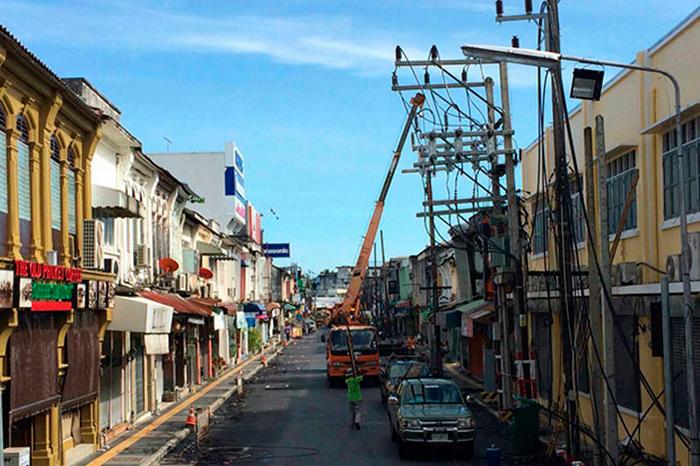 Вчера полностью завершился демонтаж электропроводов на Яроват роад на Пхукете