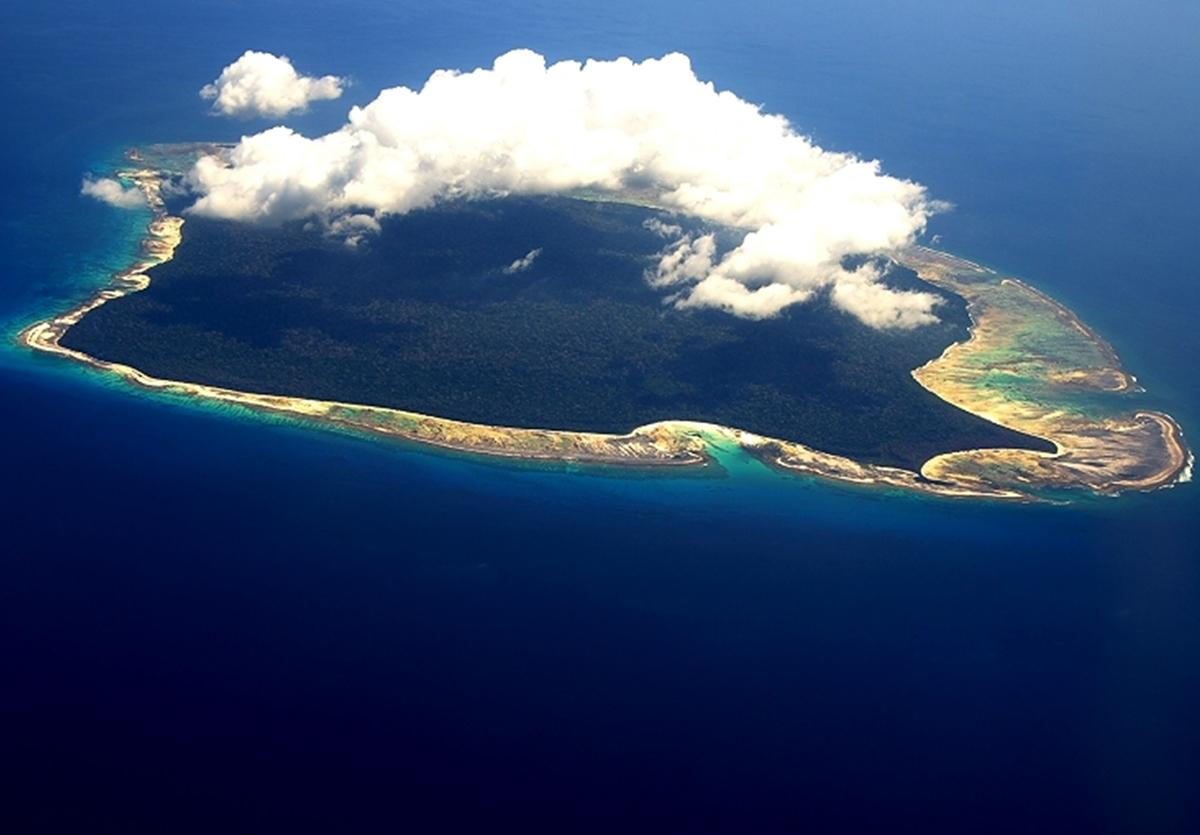 https://thailand-news.ru/sites/default/files/storage/images/2018-47/North-Sentinel-Island-Andamane-1.jpg
